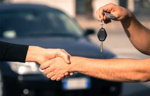 Should-I-sell-my-car-to-a-buyer-or-dealer