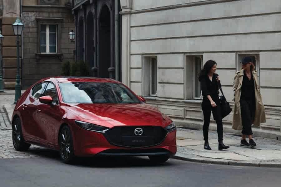 exterior look of mazda 3 sedan mild hybrid 1.5 elegance (A)