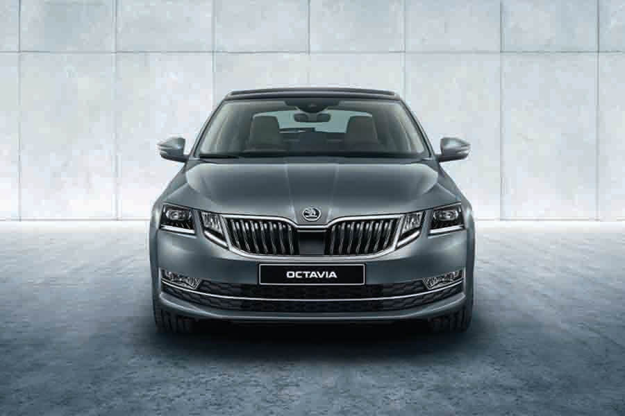 front view of skoda octavia 2.0 TSI RS 245 (A)