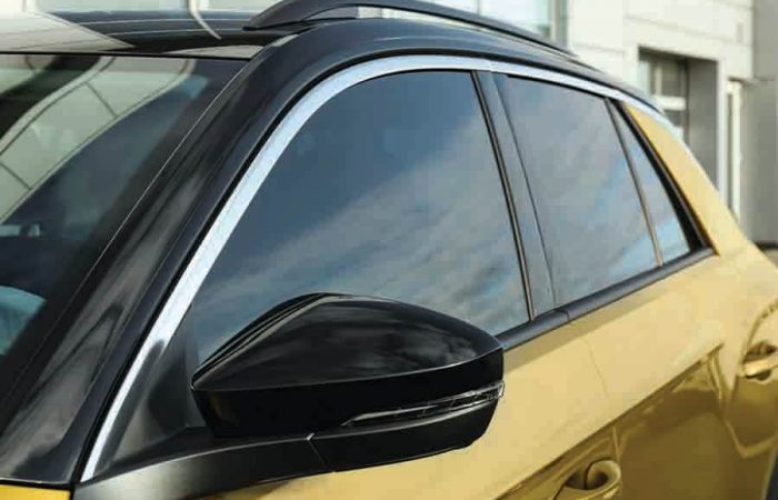 car with fully tinted windows